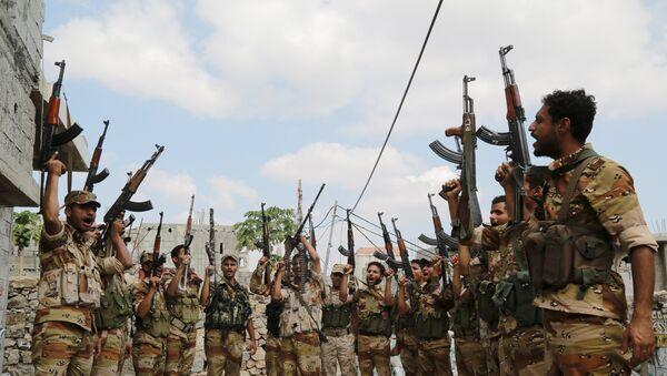 Soldados leales al Gobierno de Yemen en la ciudad de Taiz - Sputnik Mundo