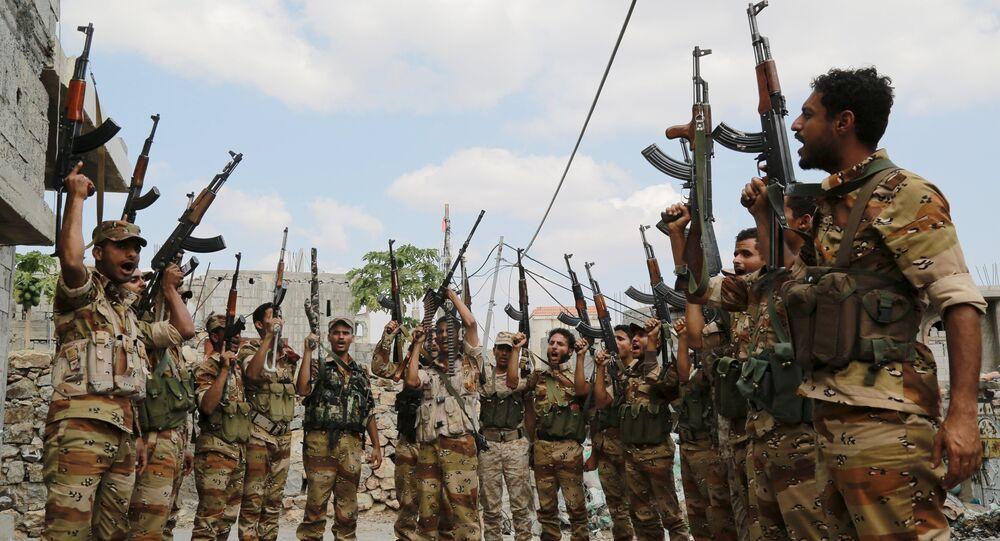 Soldados leales al Gobierno de Yemen en la ciudad de Taiz