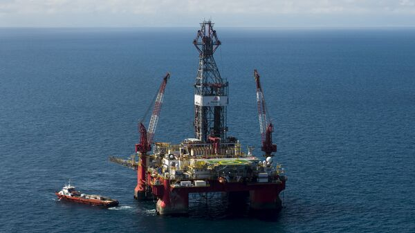 Aerial view of the Centenario exploration oil rig, operated by Mexican company Grupo R and working for Mexico's state-owned oil company PEMEX, in the Gulf of Mexico on August 30, 2013. - Sputnik Mundo
