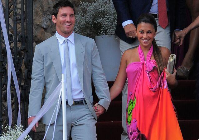 Lionel Messi, futbolista argentino, con su esposa, Antonela Roccuzzo