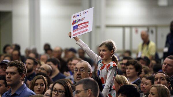 Partidarios de Hillary Clinton en St. Louis, EEUU - Sputnik Mundo