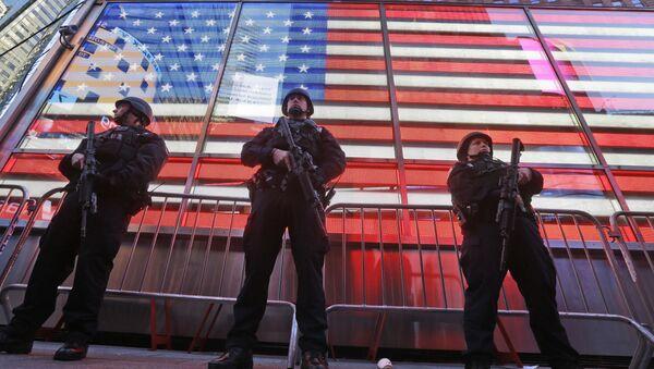 Policías estadounidenses en Nueva York - Sputnik Mundo