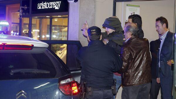 El menor que agredió a Rajoy estará seis meses internado en un centro - Sputnik Mundo