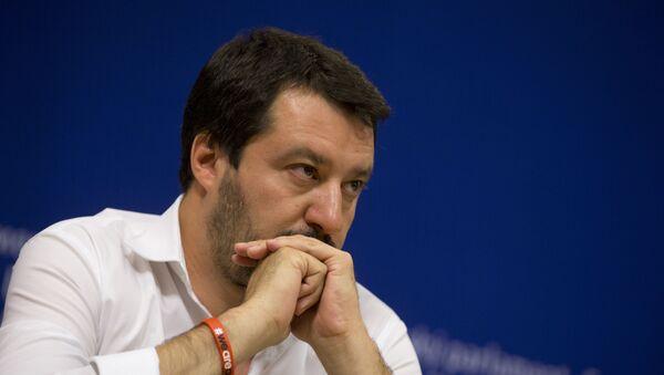 Matteo Salvini, el líder del partido Liga Norte - Sputnik Mundo
