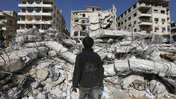 Consecuencias del bombardeo israelí en las afueras de Damasco - Sputnik Mundo