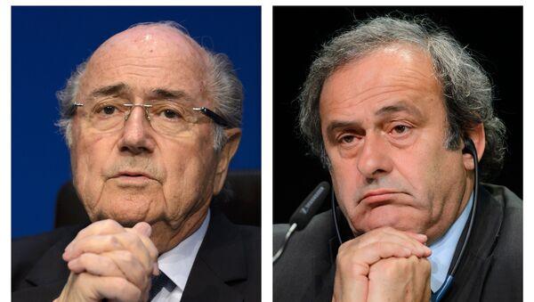 Joseph Blatter y Michel Platini - Sputnik Mundo