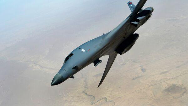 Caza B-1B Lancer durante la operación Inherent Resolve - Sputnik Mundo