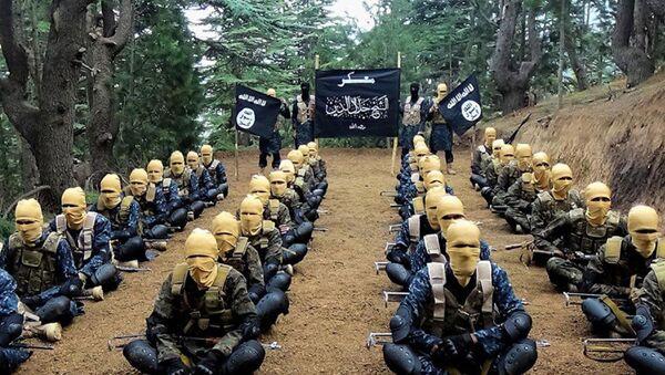 Miltantes del Daesh - Sputnik Mundo