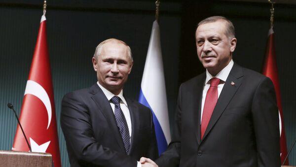 Presidente de Rusia, Vladímir Putin con su homólogo turco, Tayyip Erdogan (archivo) - Sputnik Mundo