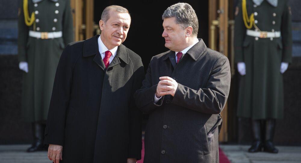 Recep Tayyip Erdogan, presidente de Turquía, y Petró Poroshenko, presidente de Ucrania
