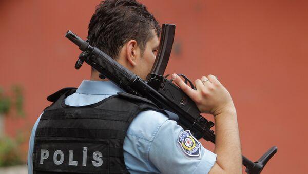 Un policía turco (Archivo) - Sputnik Mundo