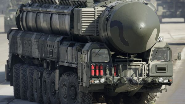 Misil balístico intercontinental Topol - Sputnik Mundo
