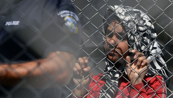 Беженцы на острове Лесбос в Греции - Sputnik Mundo