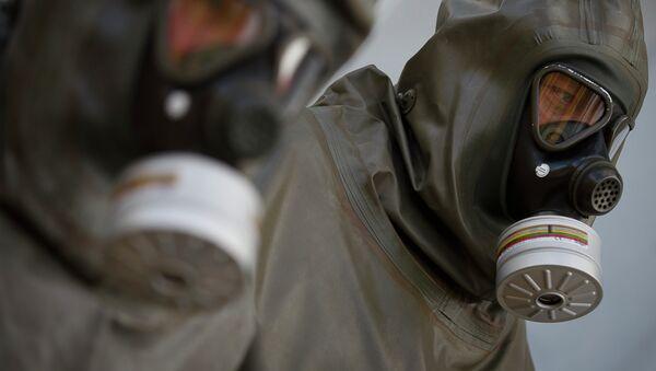 Encuentran equipo para uso de armas químicas en una base terrorista en Siria - Sputnik Mundo