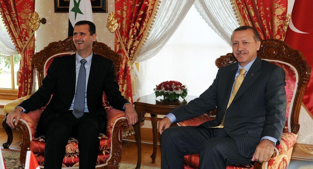 Presidente de Siria, Bashar Asad, y presidente de Turquía, Recep Tayyip Erdogan, en una foto de archivo (septiembre de 2009)