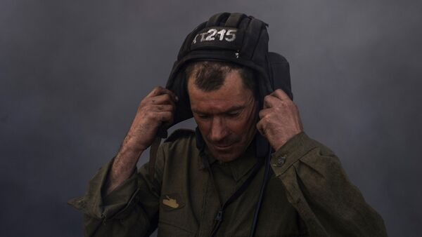 Un miliciano de la República Popular de Lugansk - Sputnik Mundo