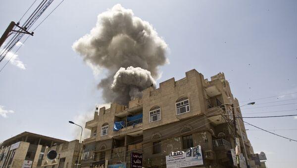Saudi-led airstrikes on Yemen - Sputnik Mundo