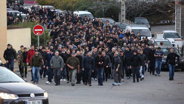 Manifestación de protesta en Ajaccio, la capital de la isla francesa de Córcega - Sputnik Mundo