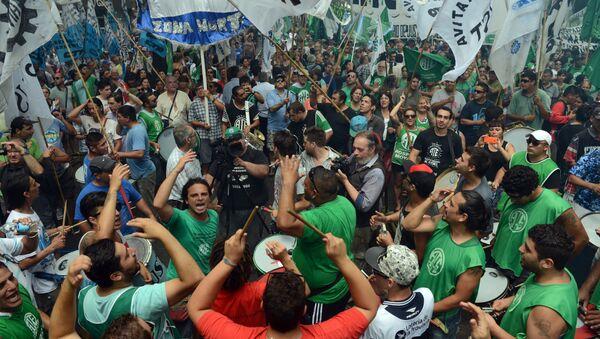 Huelga de trabajadores en Argentina (archivo) - Sputnik Mundo