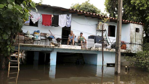 Paraguay declara alerta sanitaria por inundaciones - Sputnik Mundo