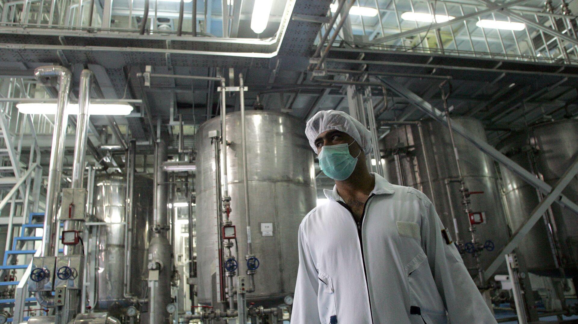Un tecnólogo iraní en la planta de la conversión nuclear de Isfahan - Sputnik Mundo, 1920, 12.04.2021