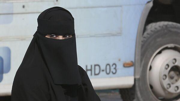 Mujer saudita (archivo) - Sputnik Mundo