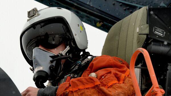 Piloto ruso durante las maniobras en Primorie - Sputnik Mundo