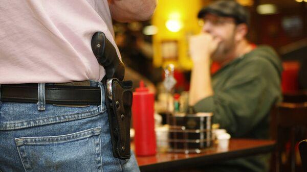 Entra en vigor en Texas una ley que permite portar armas abiertamente - Sputnik Mundo