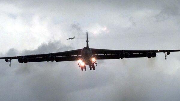 Bombarderos estratégicos B-52 de EEUU - Sputnik Mundo