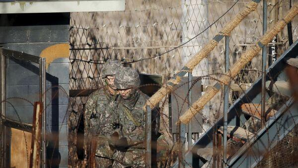 Soldados surcoreanos en la frontera - Sputnik Mundo