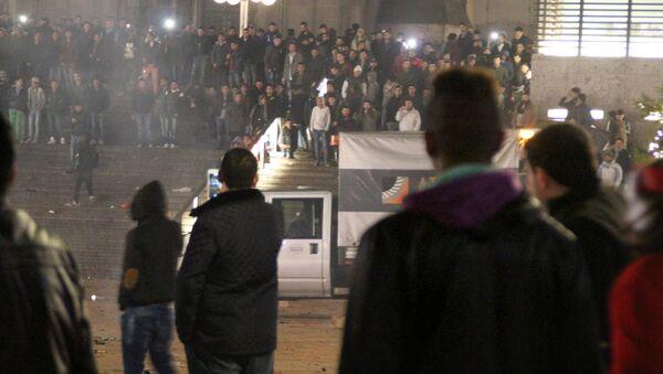 La celebración del Año Nuevo cerca de la estación central de trenes en Colonia - Sputnik Mundo