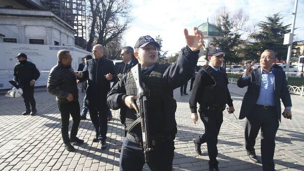 Policía turca acordona el territorio después de la explosión en Estambul - Sputnik Mundo