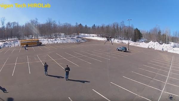 Multicóptero para atrapar drones - Sputnik Mundo