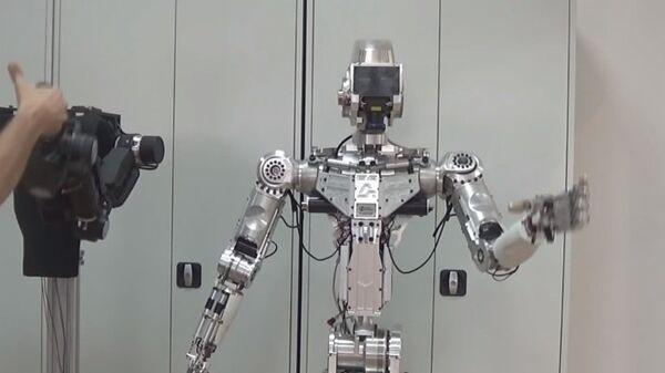 Un robot avatar desarrollado por la empresa rusa Android Techniques - Sputnik Mundo