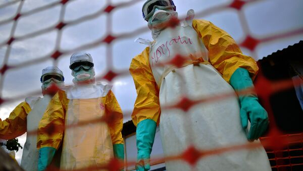 Médicos que luchan contra ébola en África - Sputnik Mundo