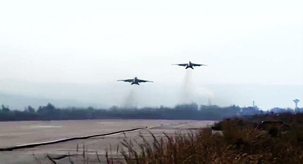 Las tripulaciones de los bombarderos Su-25 de la Fuerza Aeroespacial rusa y los cazas MiG-29 de la Fuerza Aérea de la República Árabe Siria