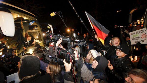 Autobús con los refugiados de Bavaria - Sputnik Mundo