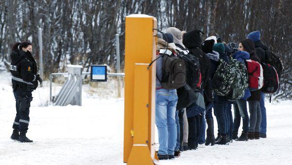 Migrantes en la frontera noruega - Sputnik Mundo