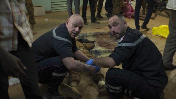 Equipo francés de respuesta rápida trabaja en el lugar del ataque terrorista - Sputnik Mundo