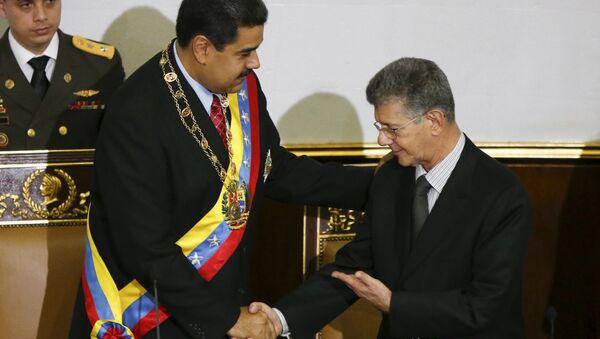 El presidente de Venezuela, Nicolás Maduro y el jefe del parlamento Henry Ramos - Sputnik Mundo