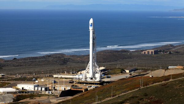 Cohete Falcon 9 con satélite Jason-3 - Sputnik Mundo