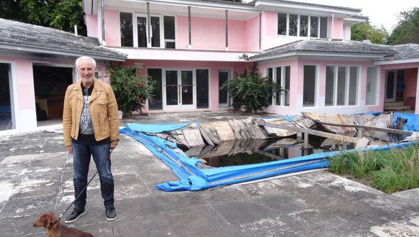 Christian de Berdouare, nuevo propietario de la mansión de Pablo Escobar en Miami Beach - Sputnik Mundo