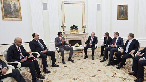 Tamim bin Hamad Al Zani, emir de Catar y Vladímir Putin, presidente de Rusia - Sputnik Mundo