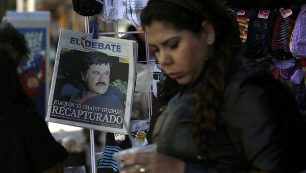 Portada de un periódico tras recaptura de Joaquín el 'Chapo' Guzman en México - Sputnik Mundo