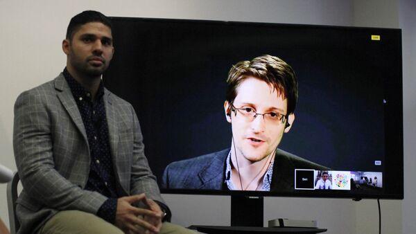 Periodista David Miranda y Edward Snowden - Sputnik Mundo