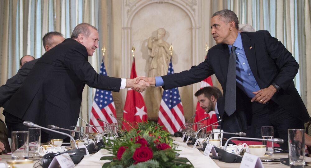 Presidente de Turquía, Recep Tayyip Erdogan y presidente de EEUU, Barack Obama en una reunión