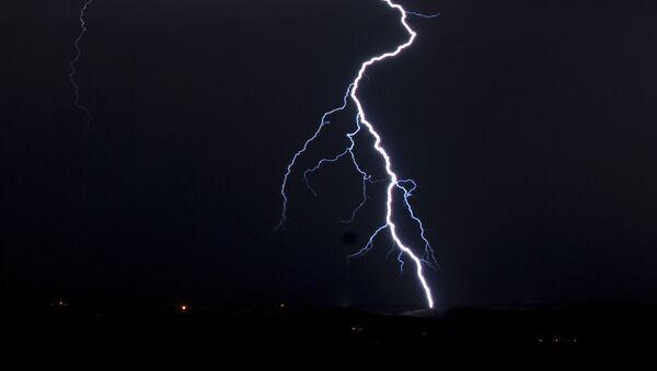 Lightning - Sputnik Mundo