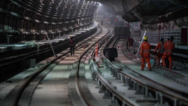 Los constructores de una estación del metro en Rio de Janeiro - Sputnik Mundo