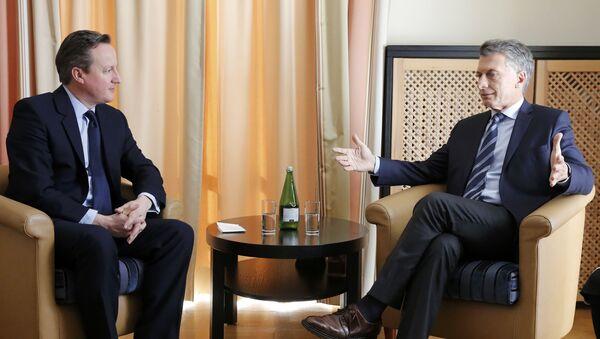 Primer ministro de Reino Unido, David Cameron y presidente de Argentina, Mauricio Macri - Sputnik Mundo