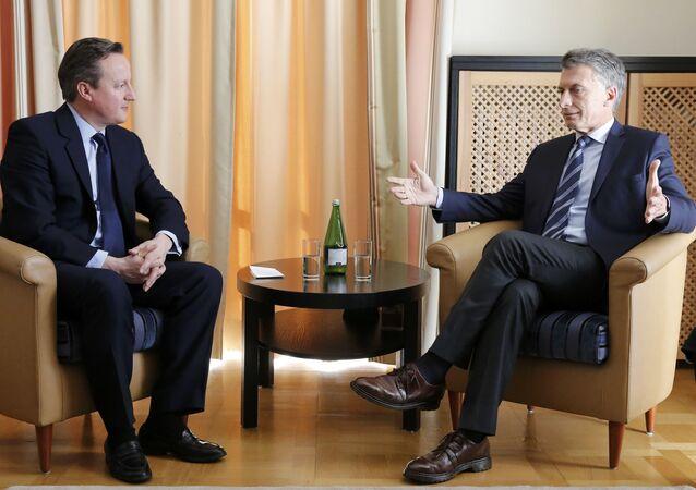 Primer ministro de Reino Unido, David Cameron y presidente de Argentina, Mauricio Macri